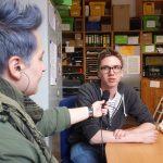 Interview mit Redakteurin und Student
