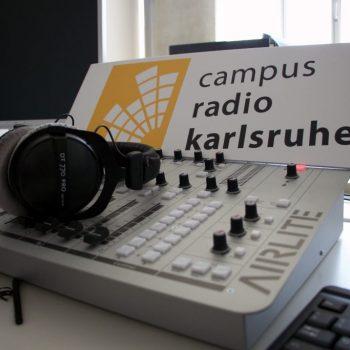 Mischpult mit Campusradio-Schild