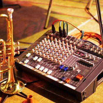 Trompete und Mischpult