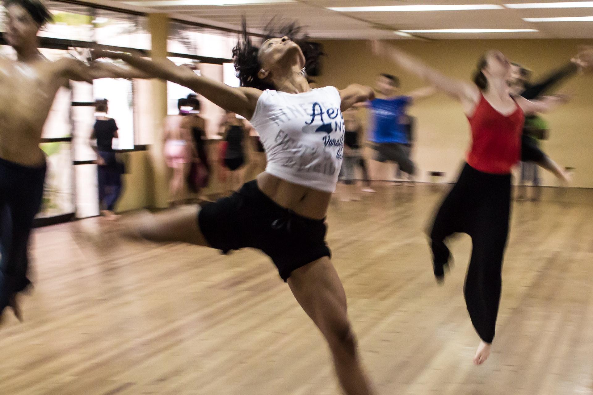 Tänzerinnen im Studio