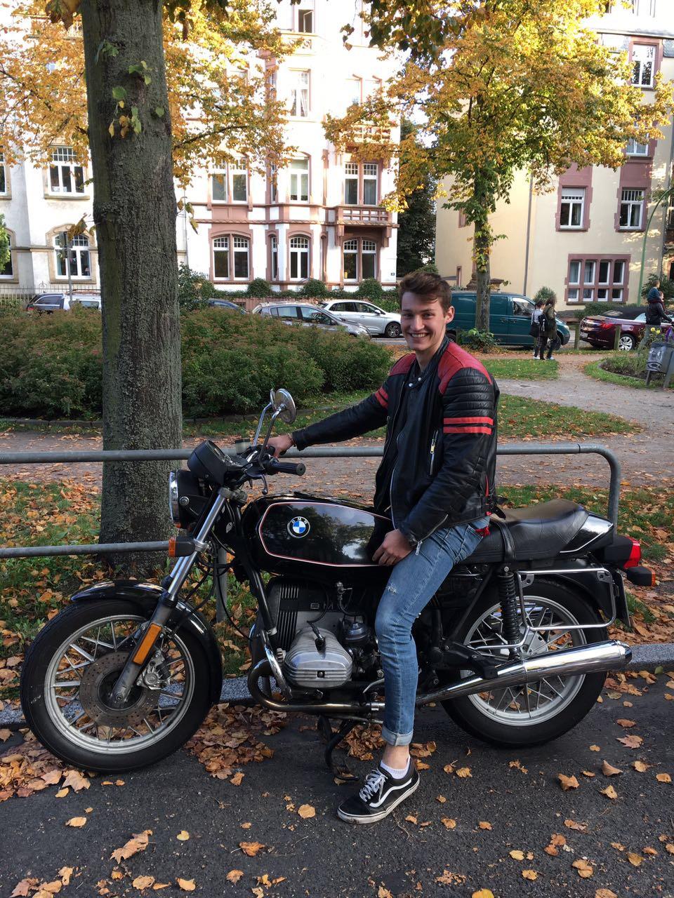 Paul Schlegel auf dem Motorrad