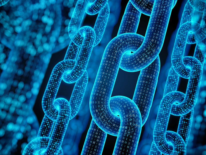 Symbolbild Blockchain mit Kettengliedern und Bonärcode