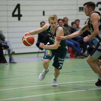 Basketball-Spieler im Spiel