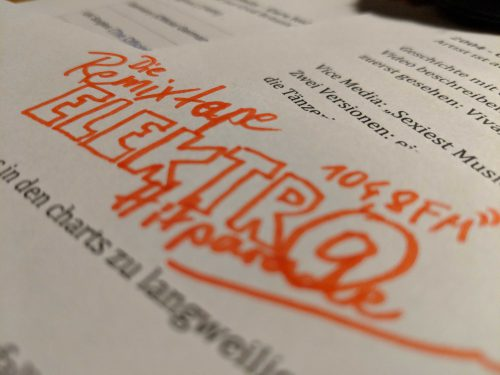 Schriftzug mit Filzstift: Die Remixtape Elektro Hitparade