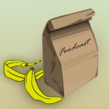 """Papiertüte mit Aufschrift """"Foodcast"""" neben einer Bananenschale"""