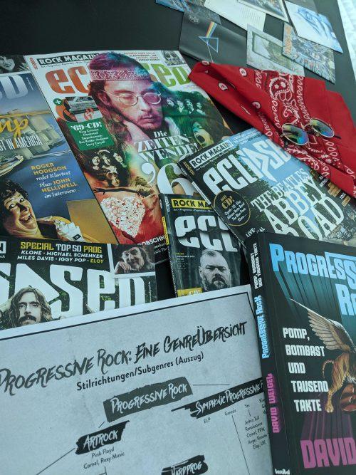 Stapel Magazine und Bücher