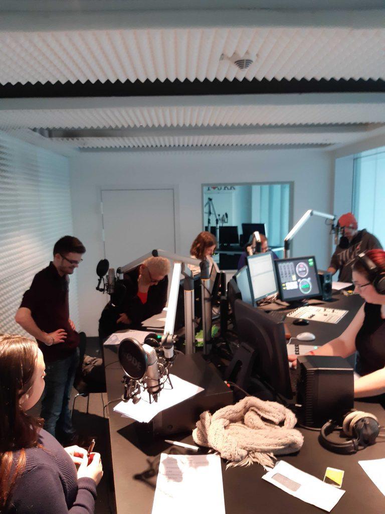 Campusradio-Team im Tonstudio