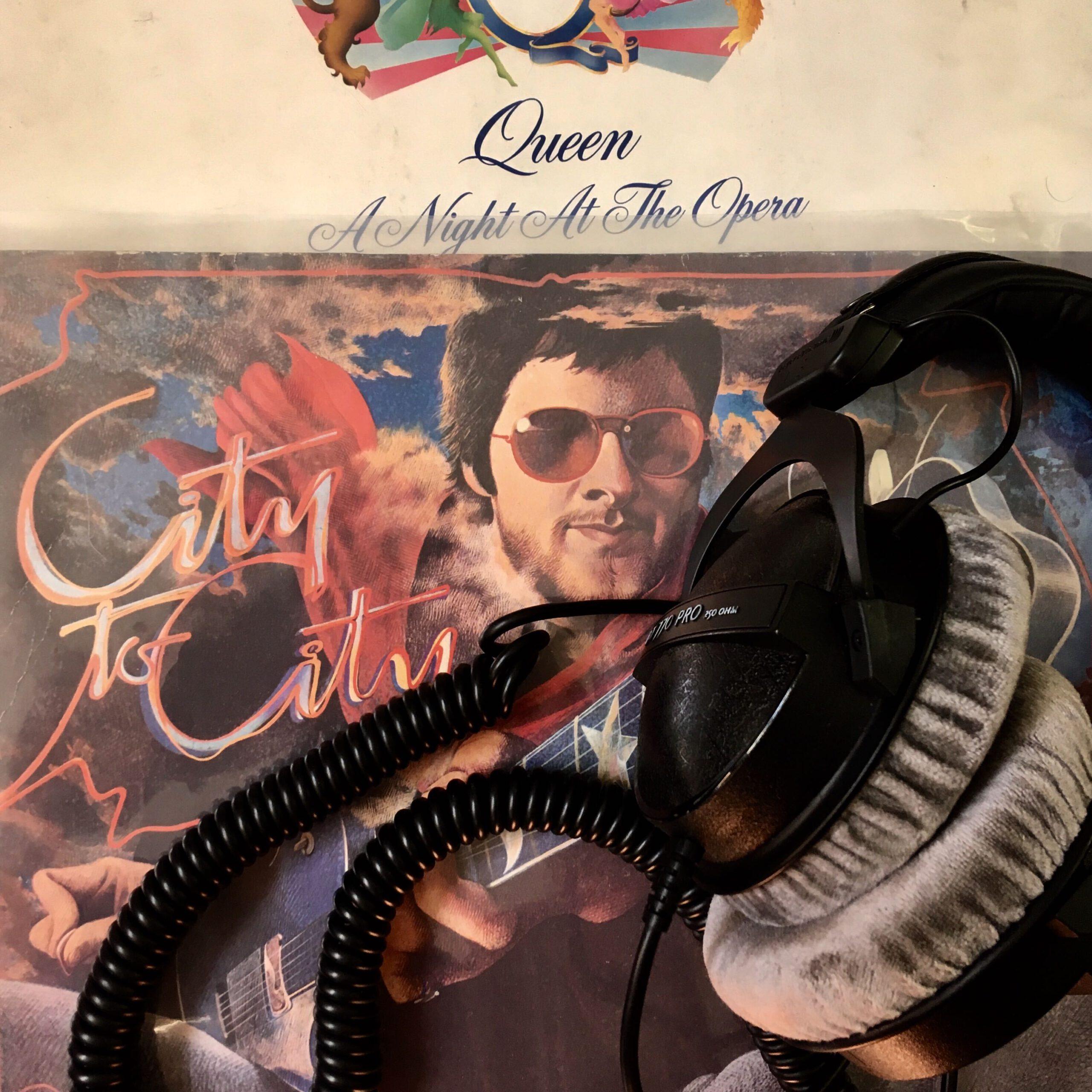 Plattencover mit Kopfhörern