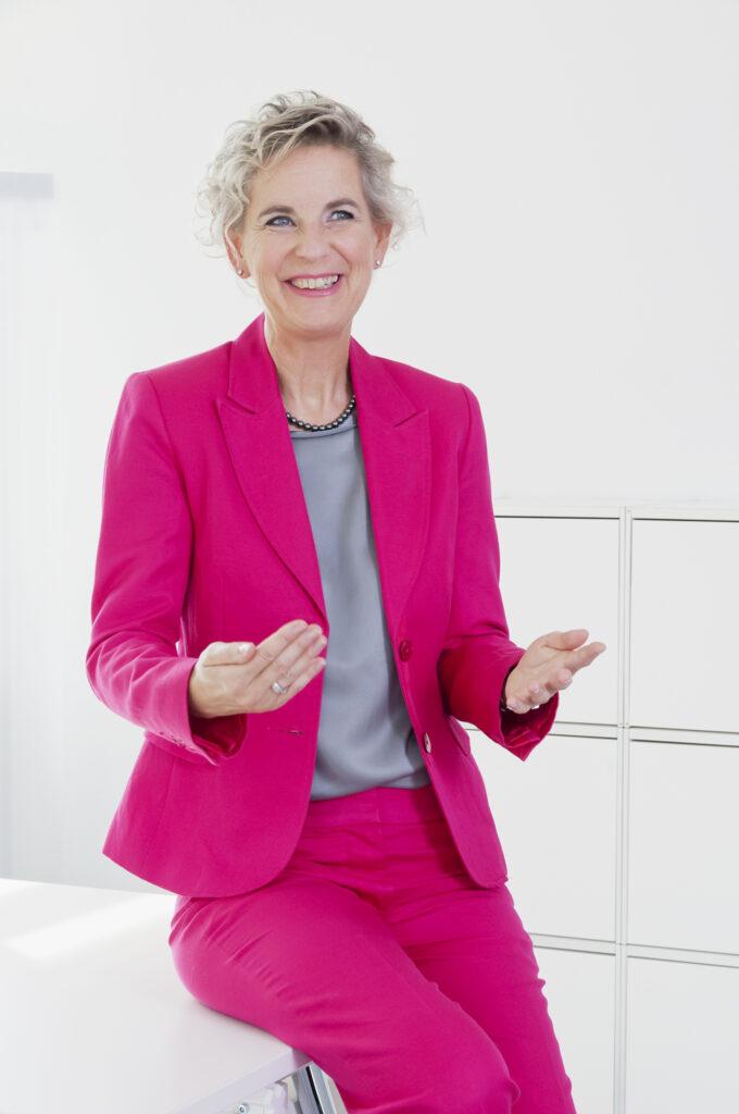 Frau Prof. Weissenberger-Eibl