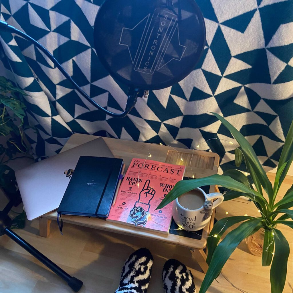 Books, Music, Fairylights and Susuharai