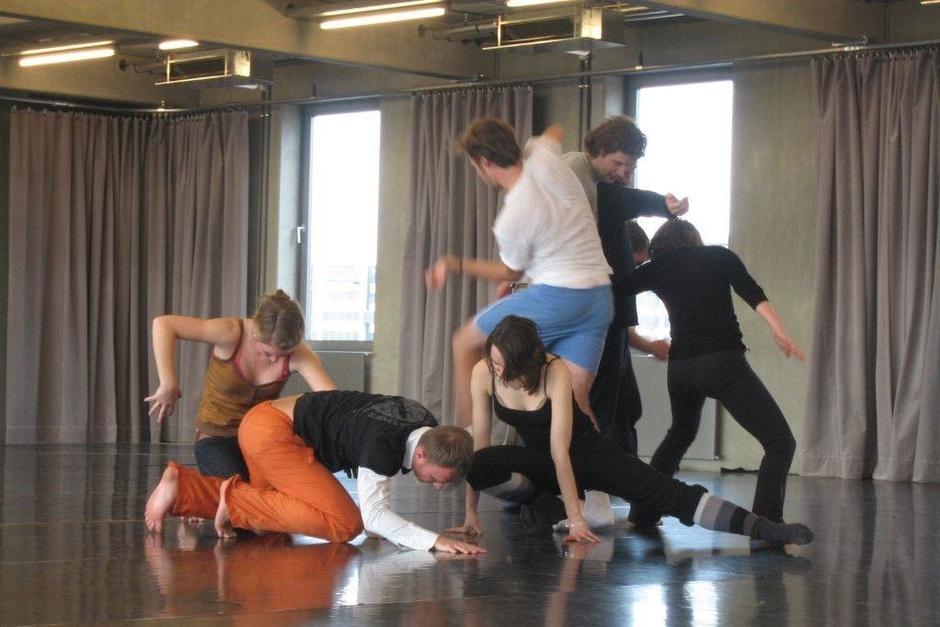 Gruppe bei Tanz-Performance